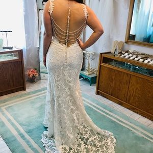 WOW Back fitted lace Wedding Dress!